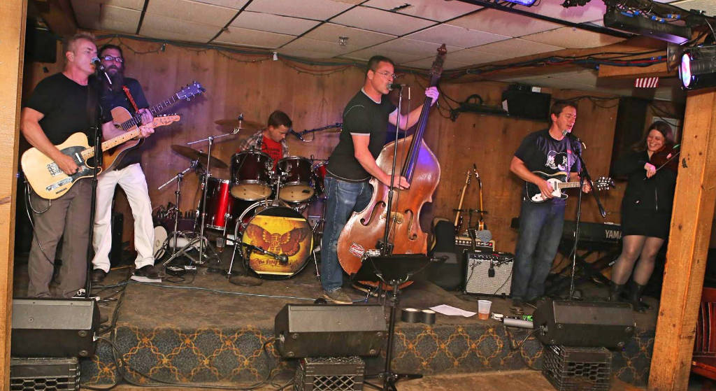 The Hired Men 2015 at Beachcomber Quincy MA
